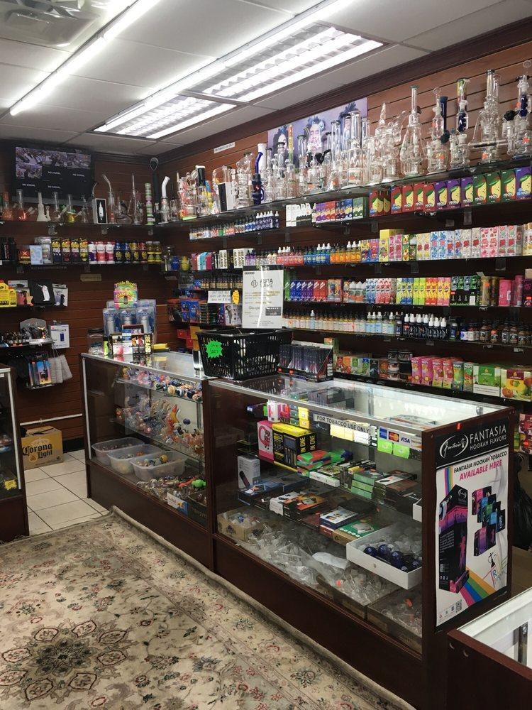 Aura Vape and Smoke: 2 Jericho Tpke, Mineola, NY