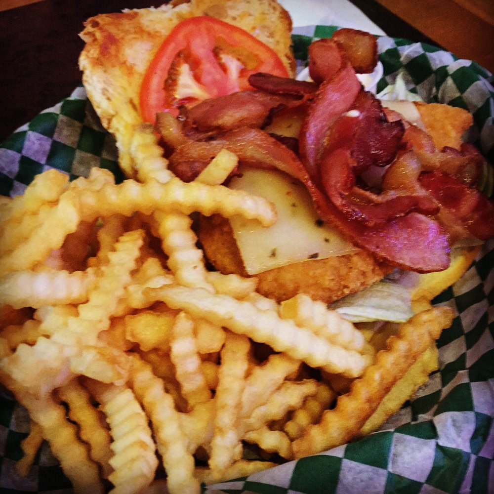 Tami's On the Ave: 2710 Albion Ave, Fairmont, MN