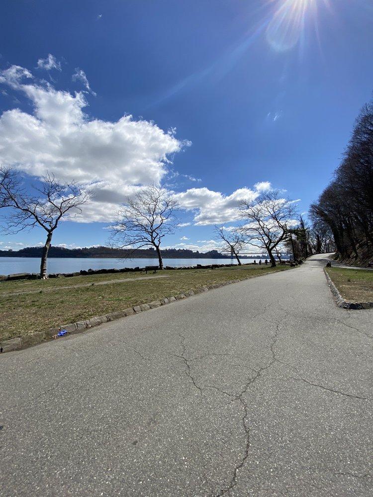 Palisades Interstate Park Commission: 1 Alpine Approach Rd, Alpine, NJ