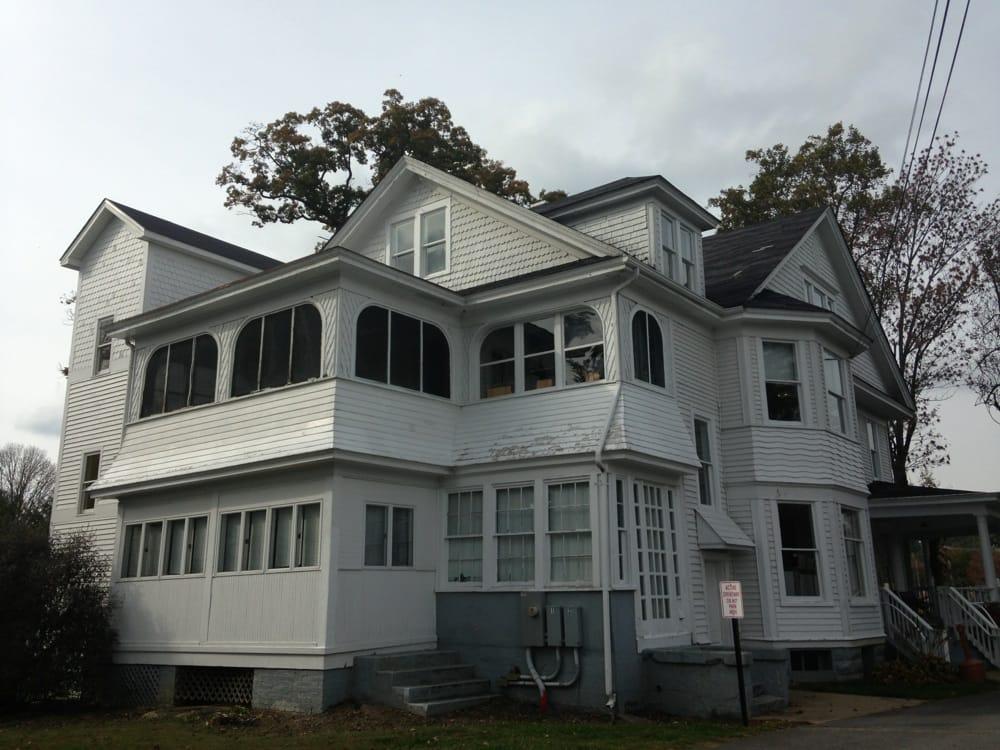 Veteran's Memorial Park & Visitor Center: 400-498 Cummings St, Abingdon, VA