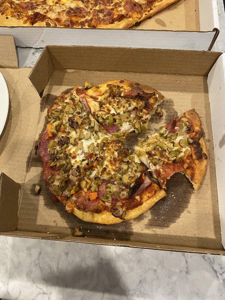 Mariano's Italian Eatery: 12371 Hwy 90, Luling, LA