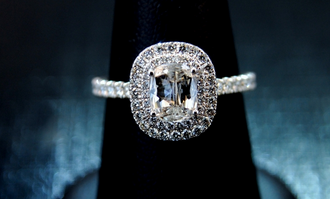 Comeau Jewelry: 320 Geneva Ave, Joplin, MO