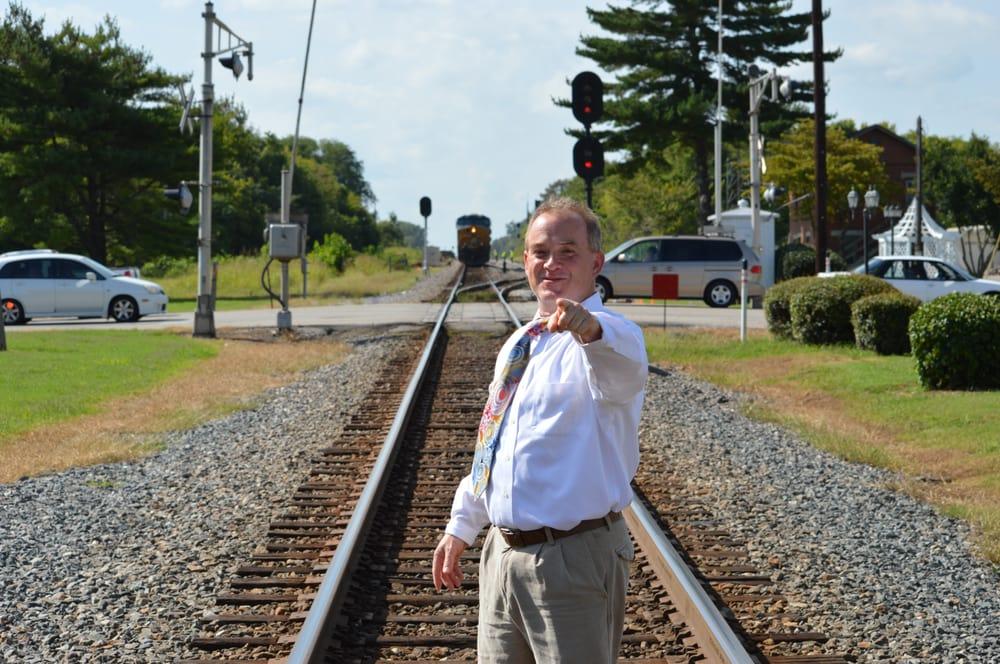 Bryan Elkins, DDS: 109 Front St S, Cowan, TN