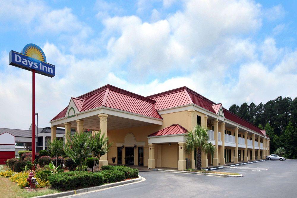 Days Inn By Wyndham Dillon Hotels 823 Radford Blvd Sc Phone Number Yelp