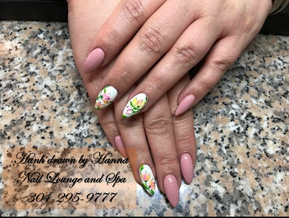 Nail Lounge & Spa: 804 Grand Central Mall, Vienna, WV