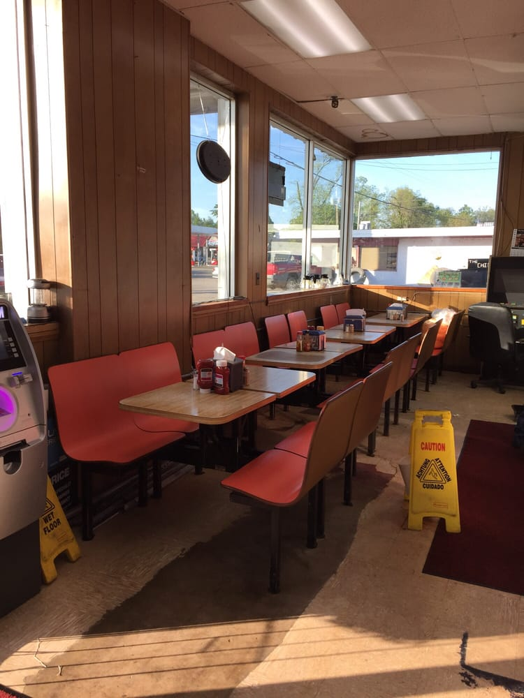Chicken Stop: 113 US Hwy 63 W, Marked Tree, AR