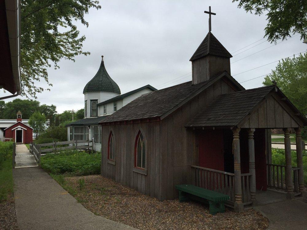 Laura Ingalls Wilder Museum: 330 8th St, Walnut Grove, MN