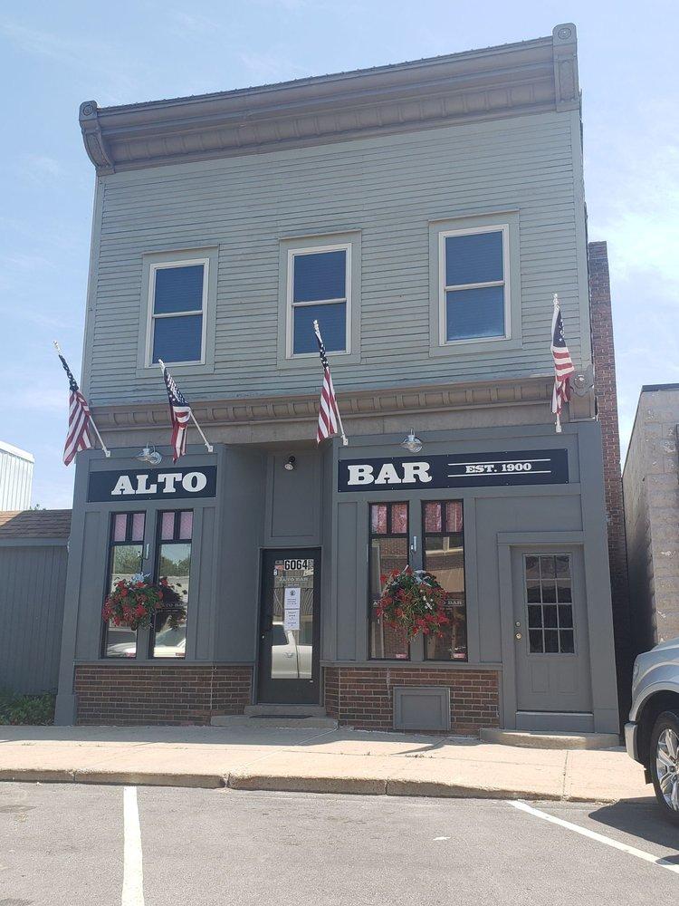 Alto Bar: 6064 Linfield Ave SE, Alto, MI