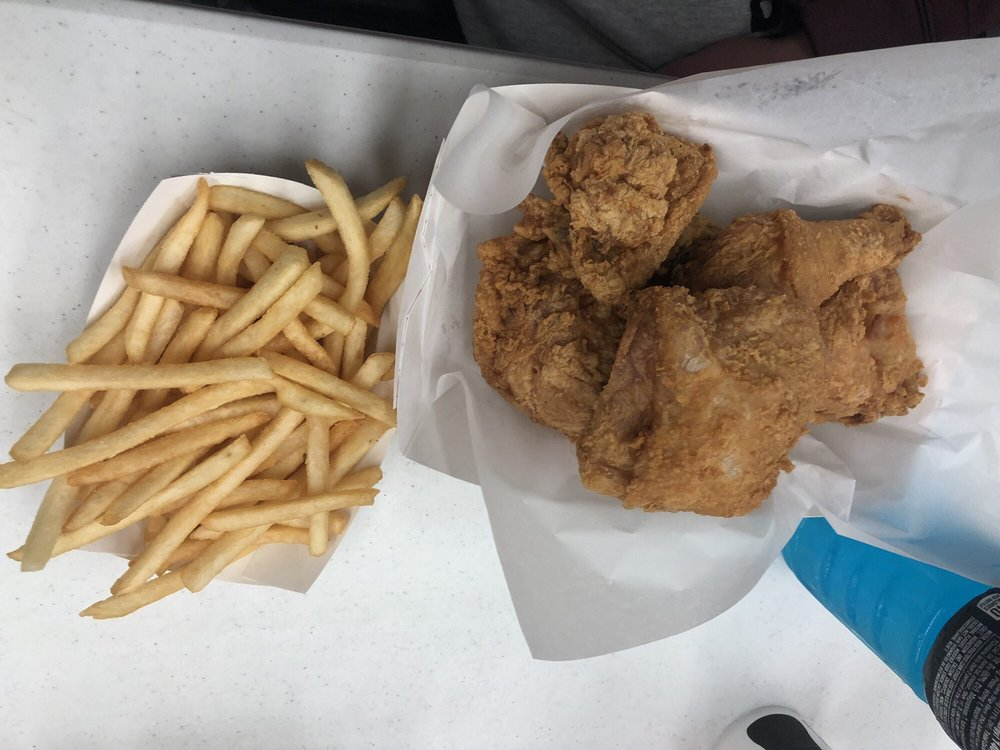Chicken Hut: Main Ave E, Rolla, ND