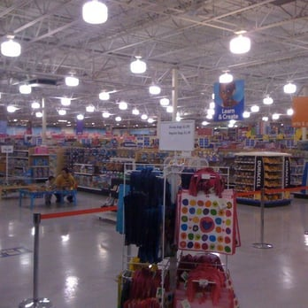 Toys R Us  Photos   Reviews Toy Stores  Fair Lakes - Toys r us black friday store map