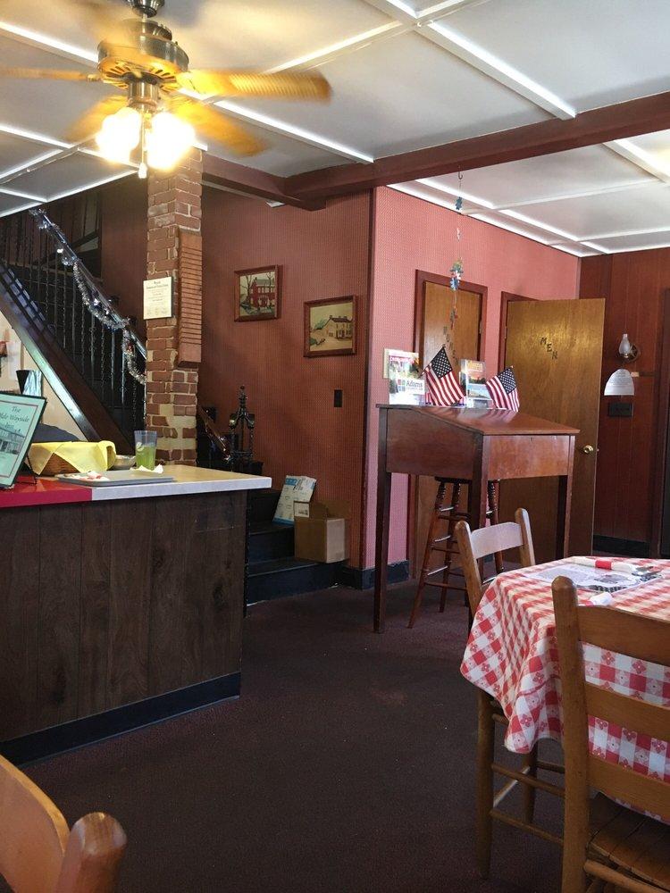 Olde Wayside Inn: 222 W Main St, West Union, OH