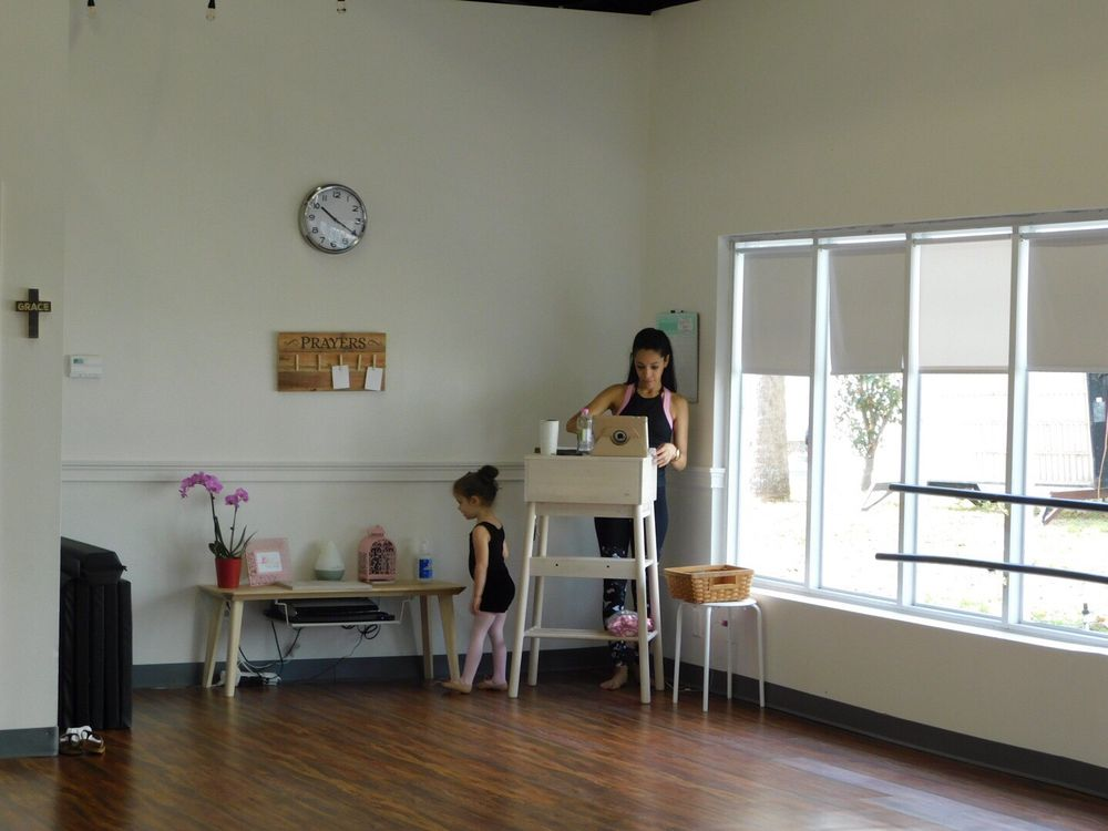 Grace Full Dance Academy: 210 Wilshire Blvd, Casselberry, FL