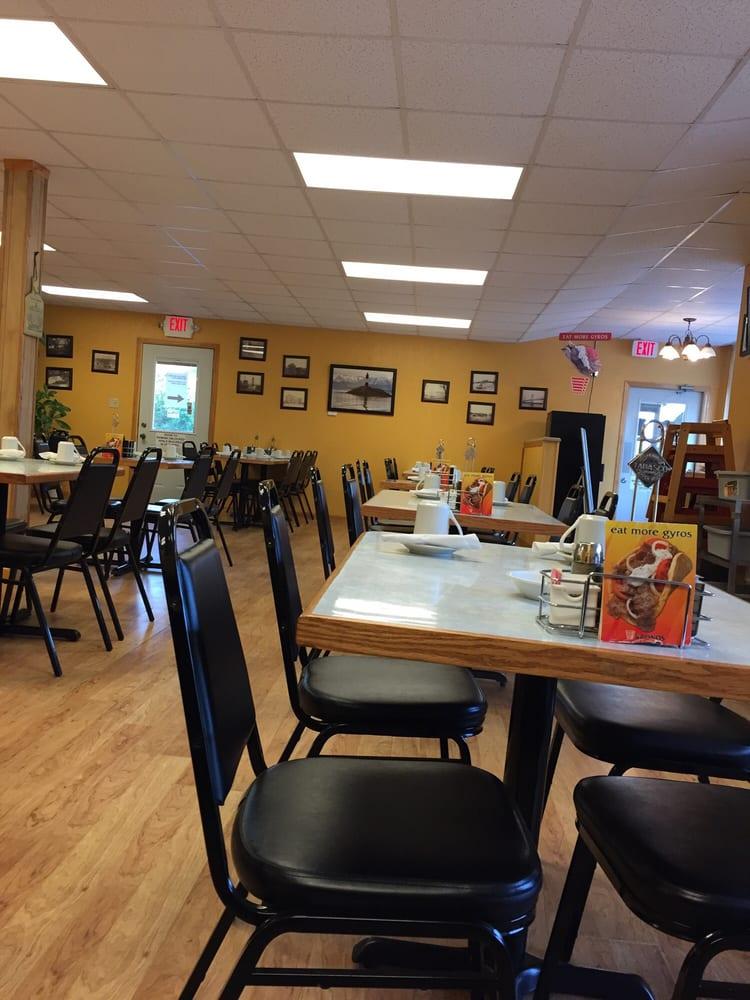 Duck Creek Pancake House: 4405 State St, Riverdale, IA