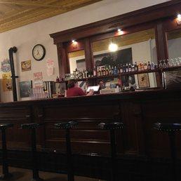 Raton restaurants dentists bars beauty salons doctors for Raton pass motor inn