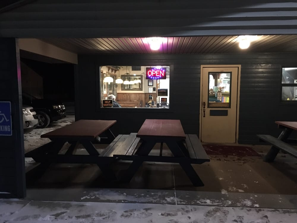Marty's Pizza & Grill: 615 N Front St, Lake City, MI