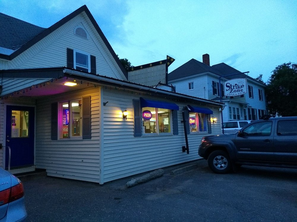 Strike Zone Pizza Pub: 19 Park St, Colebrook, NH