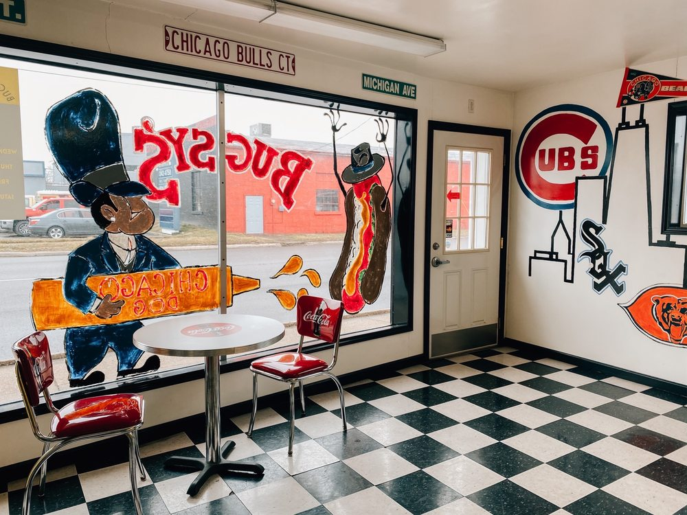 Bugsy's Chicago Dog: 311 Broadway St, Mount Vernon, IL