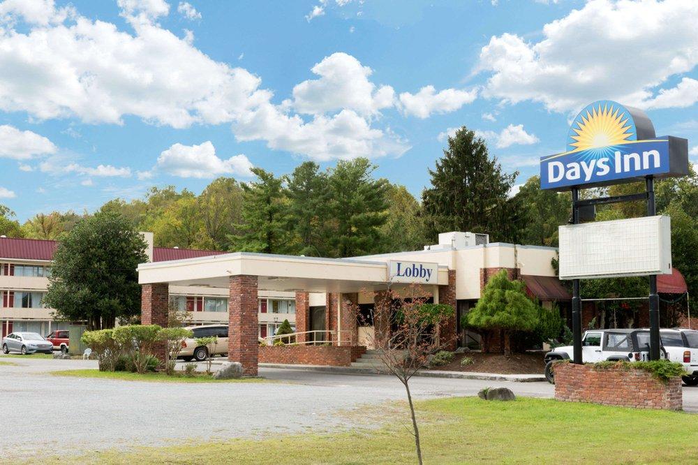 Days Inn Middlesboro KY: 1623 Cumberland Avenue, Middlesboro, KY