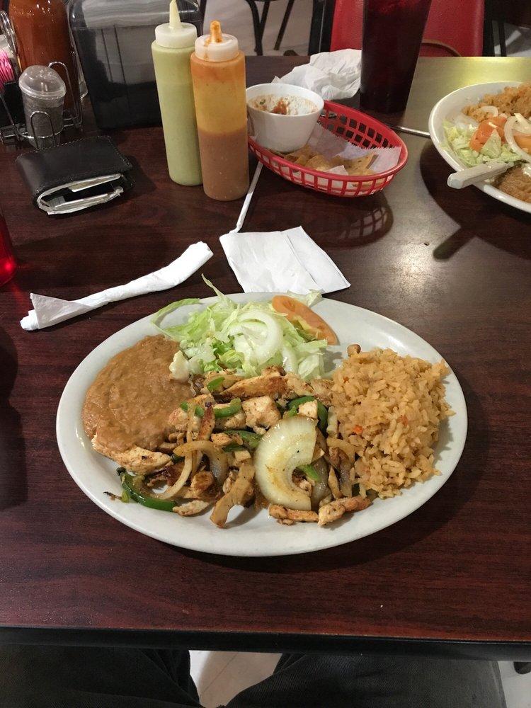 Acapulco Mexican Restaurant Y Cantina: 607 E Sarah Dewitt Dr, Gonzales, TX