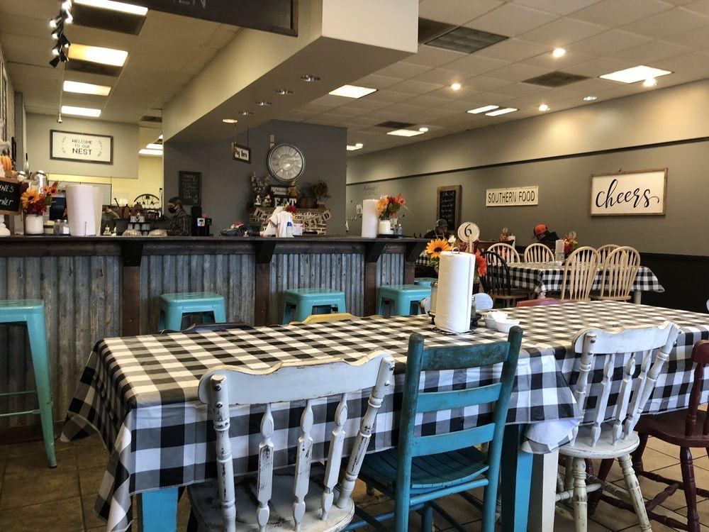 Lulu's Country Kitchen: 716 West Broad St, Wedowee, AL