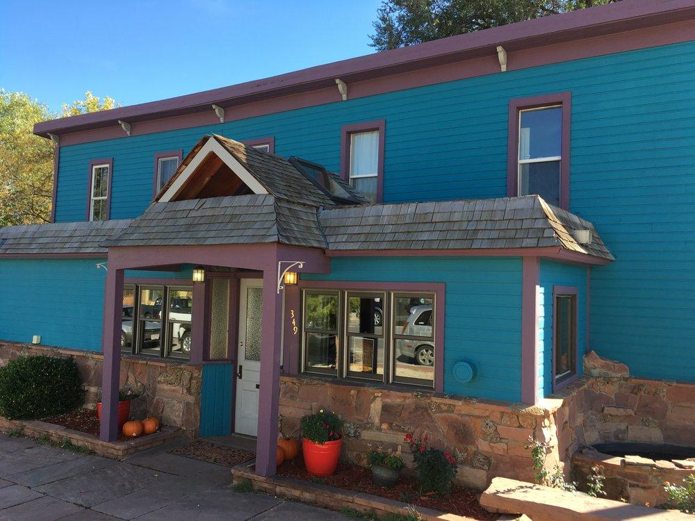 Festivarie Inn: 349 Main St, Lyons, CO