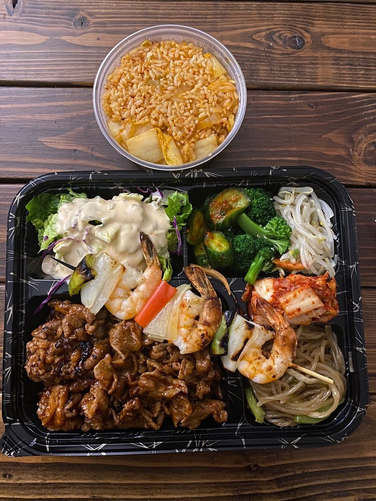Food from Bento & Bowls