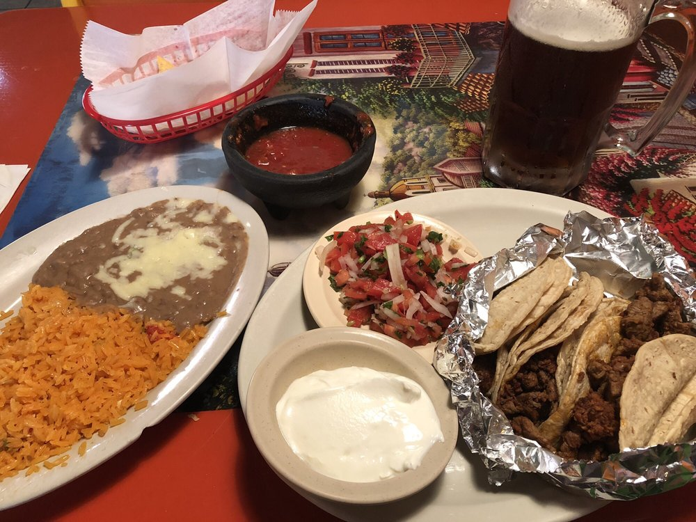 Toro Mexican Grill: 672 S Hwy 92, Dandridge, TN
