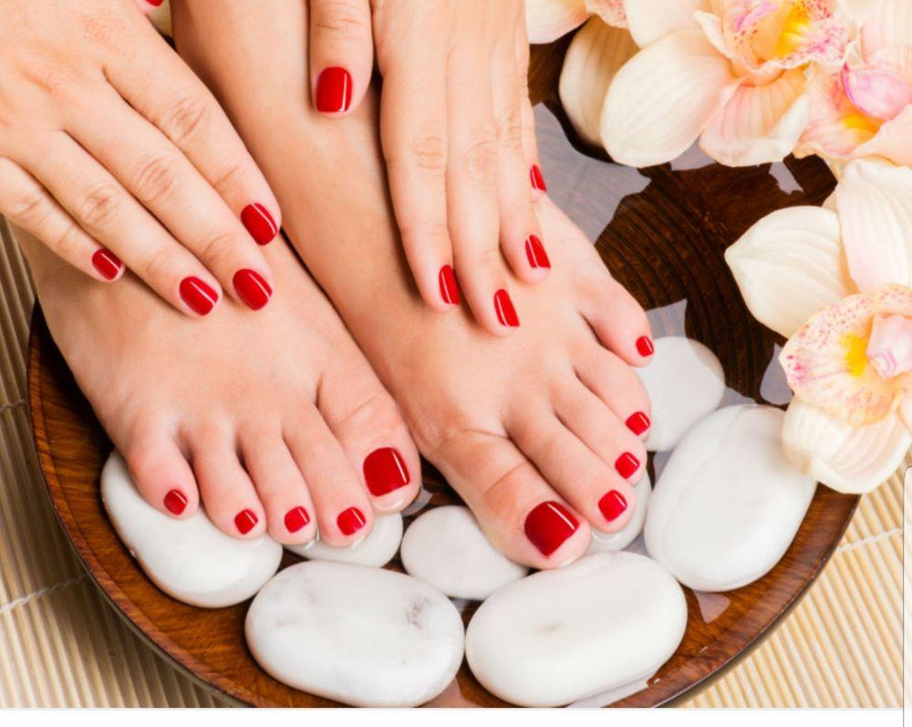 Lisa's Beauty Salon: 11 E Lewelling Blvd, Ashland, CA