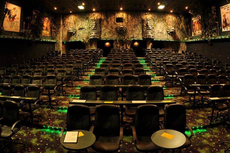 Movie theater in naperville il