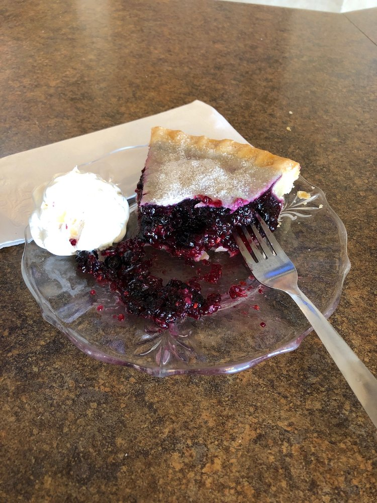 Center Cafe: 200 Richland Sq, Richland Center, WI