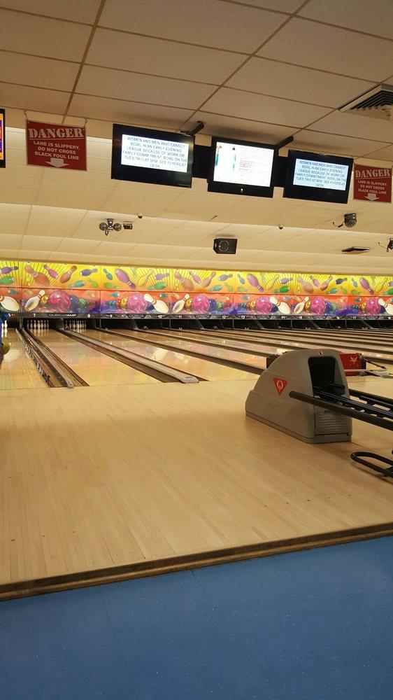 Jefferson Valley Bowl: 3699 Hill Blvd, Yorktown Heights, NY