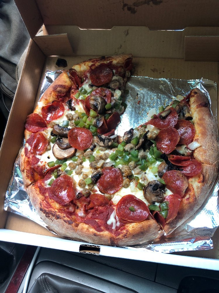Michael's Pizza PAD: 10039 US Highway 70 E, McEwen, TN