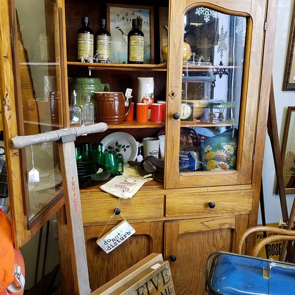 Memory Lane Antiques: 120 N Main St, Tipton, IN