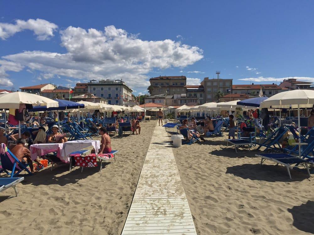 Bagno la pace beaches via giuseppe barellai 33 viareggio lucca italy phone number yelp - Bagno amedea viareggio ...