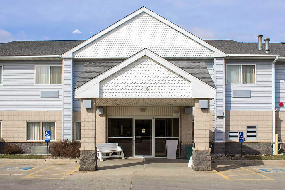 Quality Inn & Suites: 4230 S Lakeport St, Sioux City, IA