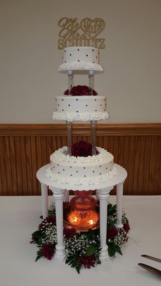 A Touch of Elegance Cafe and Bakery: 100 Mall Dr, Steubenville, OH