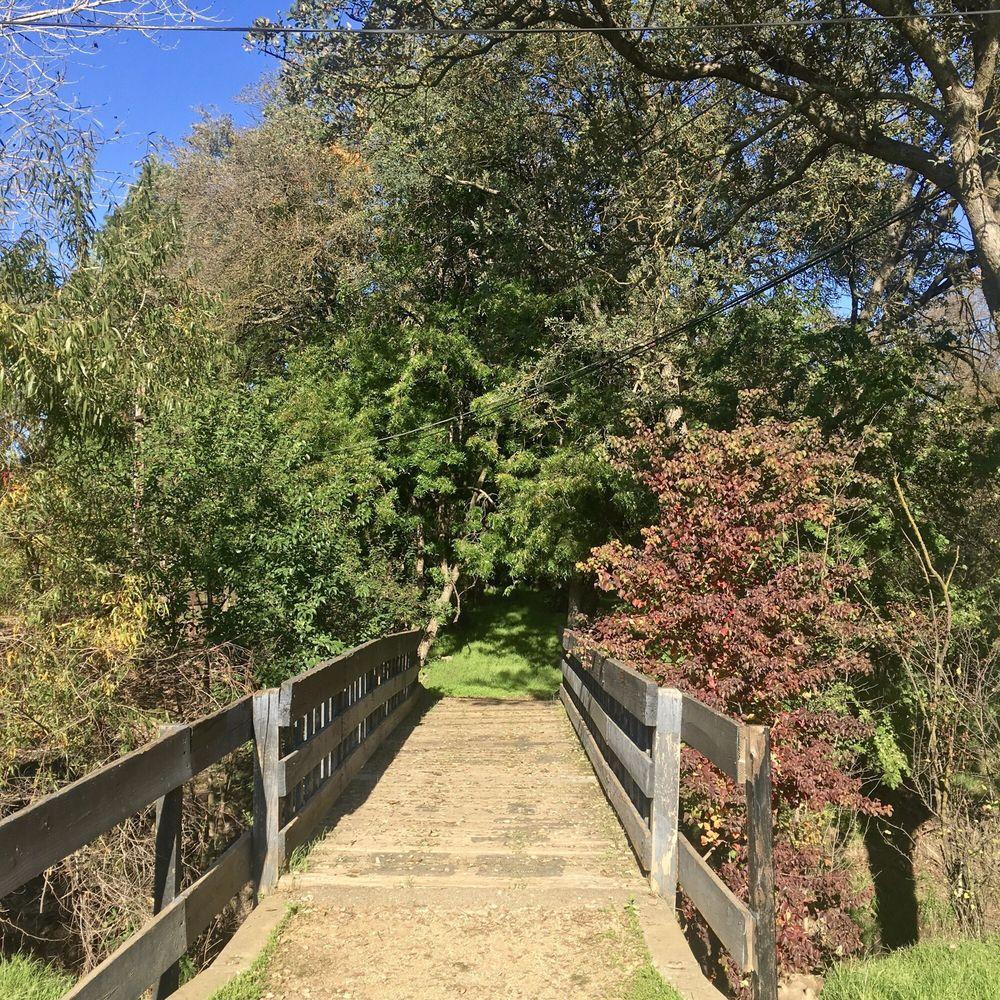 Creekside Nature Area
