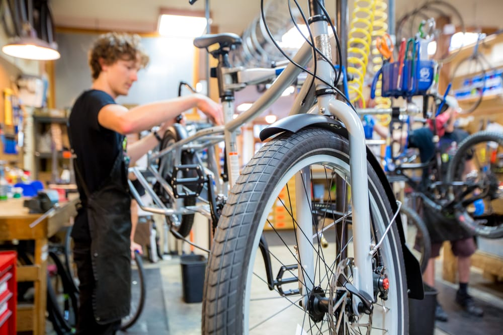 Glacier Cyclery & Nordic: 326 2nd St E, Whitefish, MT