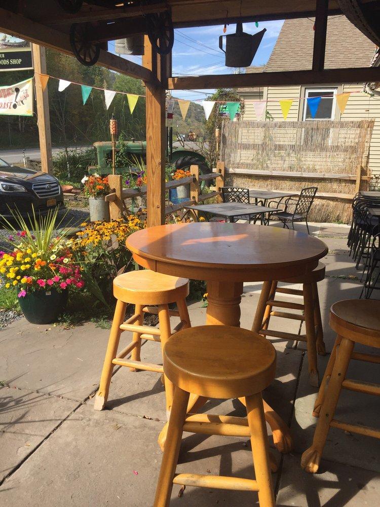 T.J.'s Farm Market & Cafe: 43019-43021 State Hwy 28, Arkville, NY