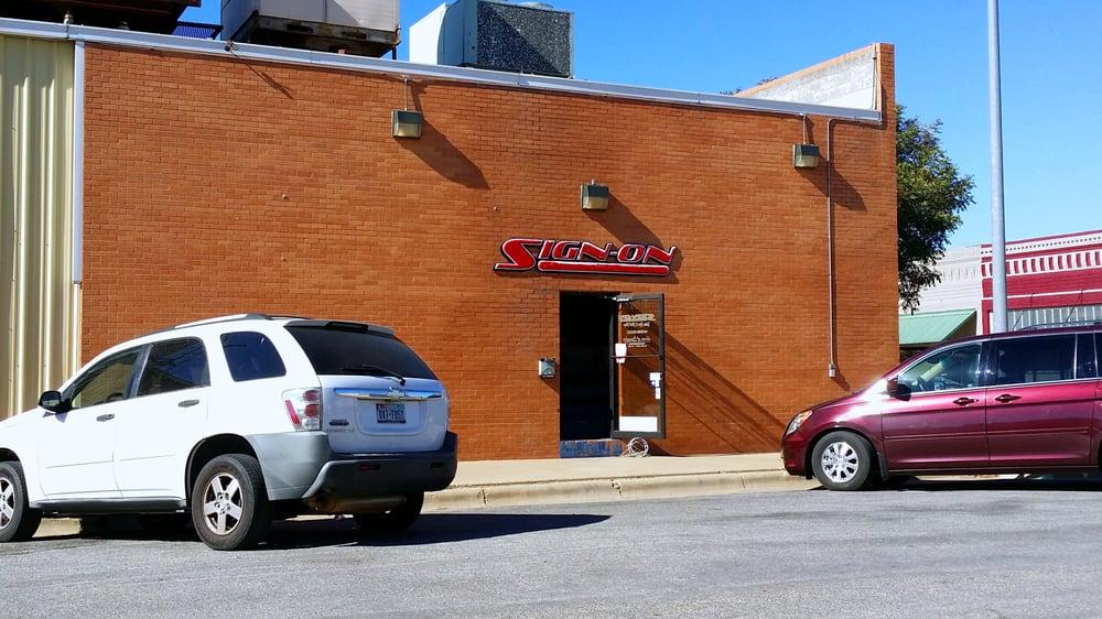 Sign-On Enterprises: 222 E 3rd St, Burkburnett, TX