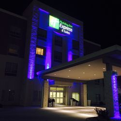 Photo Of Holiday Inn Express Suites Litchfield West Il United States
