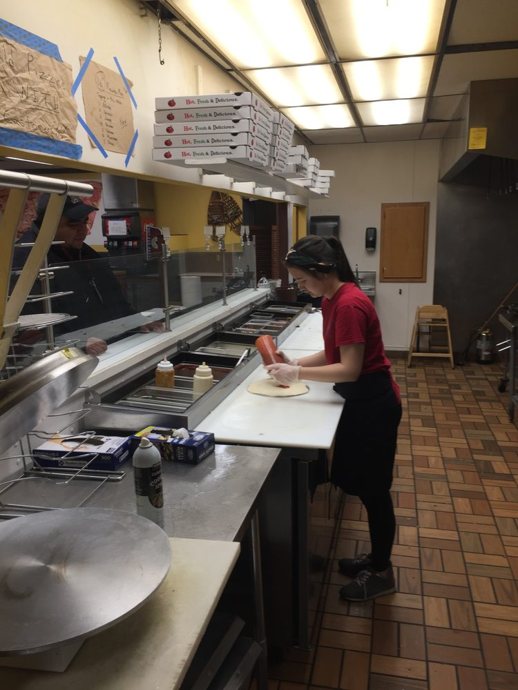 Klondike Pizzeria: 308 North Harbor St, Seward, AK
