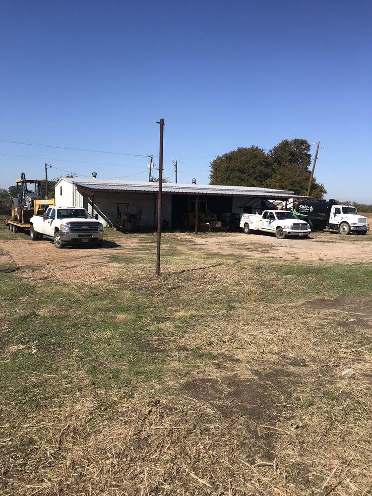 Pair Plumbing & Septic: 716 S College Ave, Cameron, TX