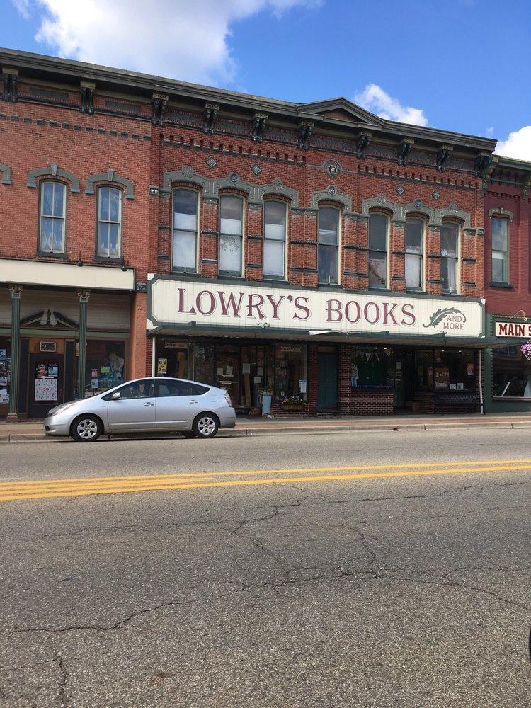 Lowry's Books: 22 N Main St, Three Rivers, MI