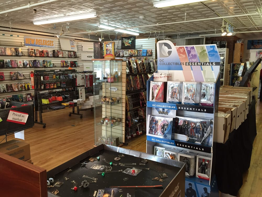 Double Midnight Comics & Collectibles: 67 South Main St, Concord, NH