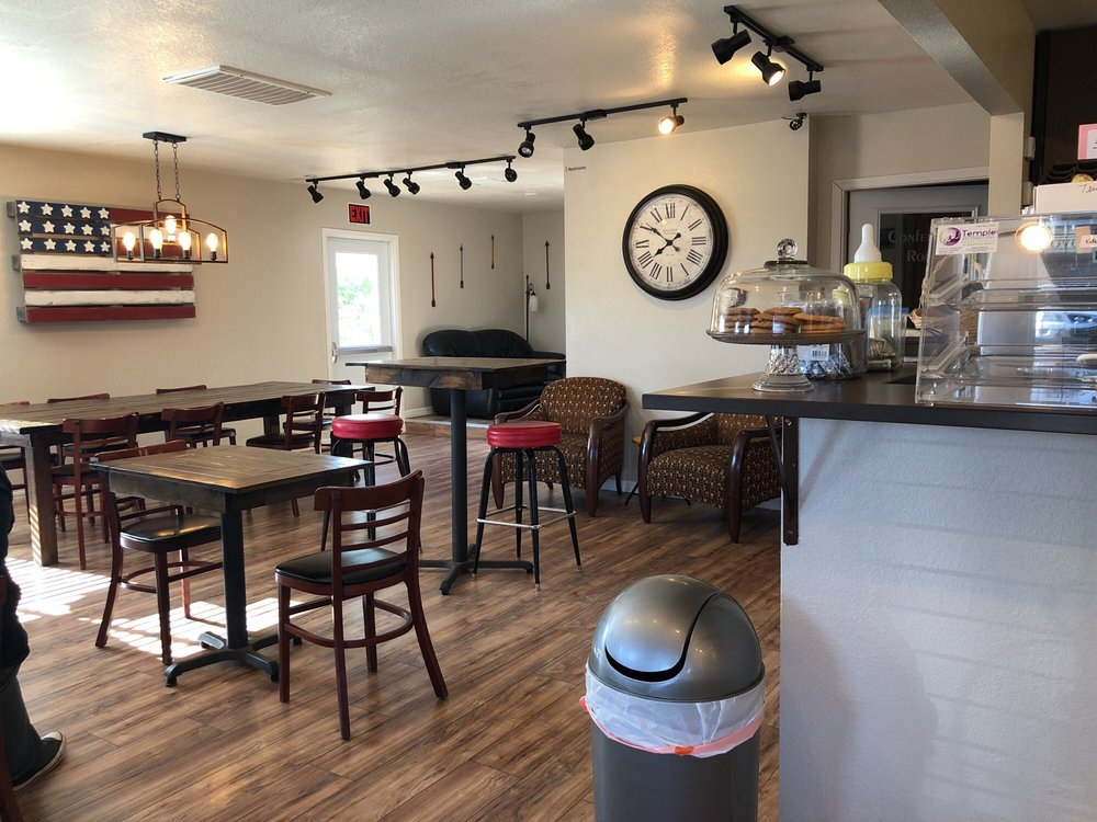 Overflow Coffee: 448 N Hwy 89, Chino Valley, AZ