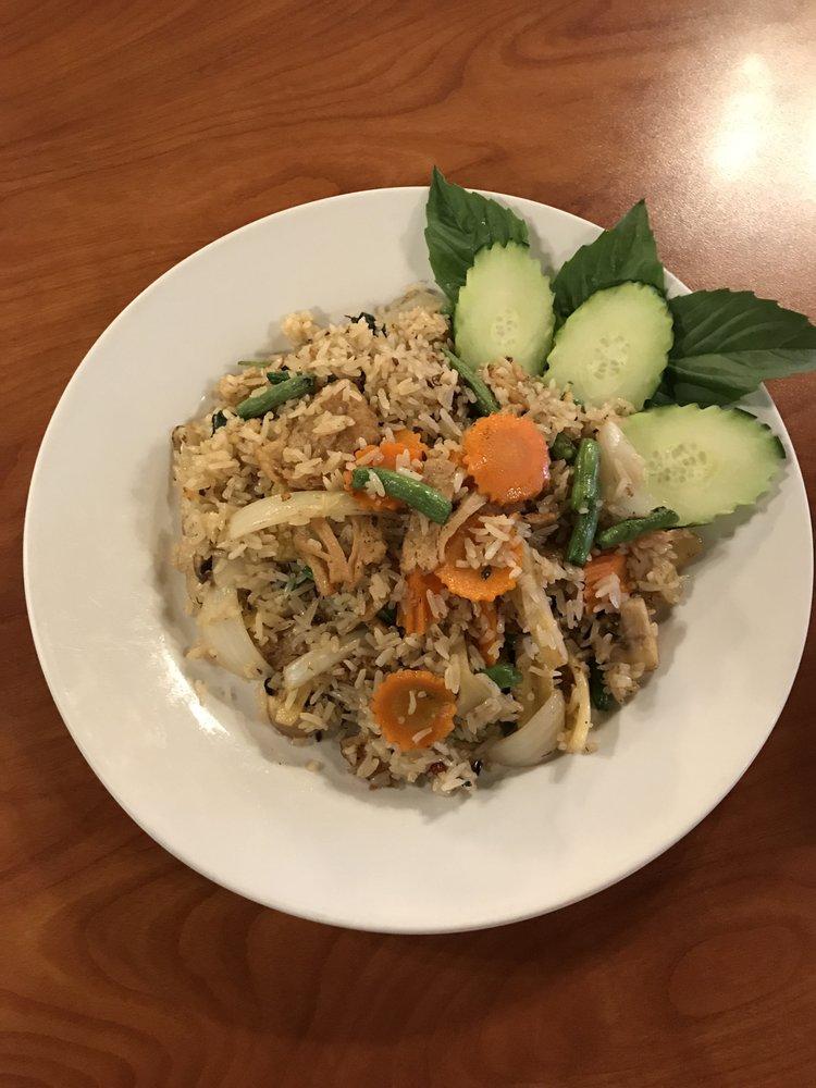 Nunthaporn's Thai Cuisine: 17 W Main St, Mesa, AZ