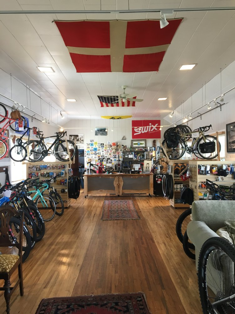 Syringa Cyclery: 518 Oak St, Sandpoint, ID