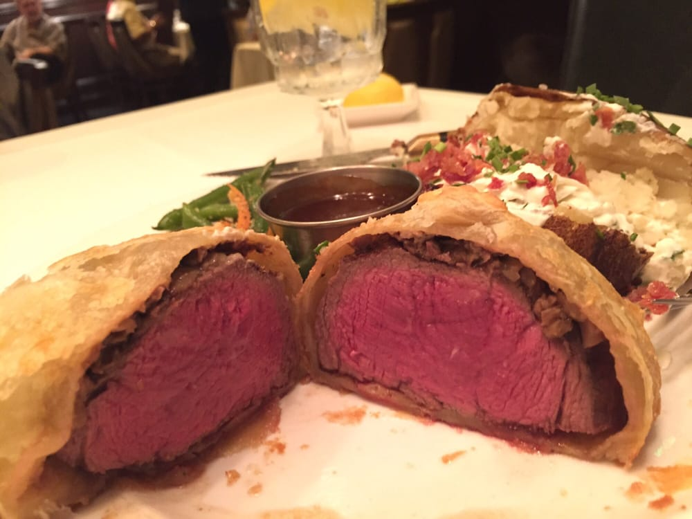 how to cook beef wellington rare