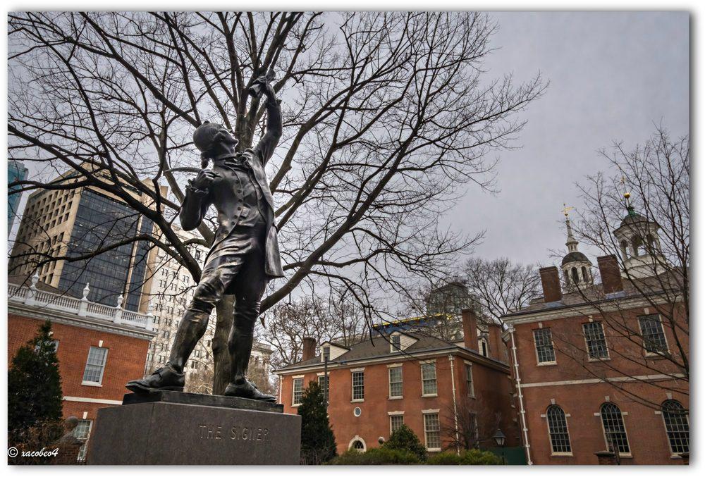 The Signer Statue: Chestnut St, Philadelphia, PA